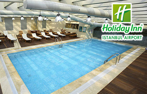 Holiday Inn Airport Mandala'da Havuz